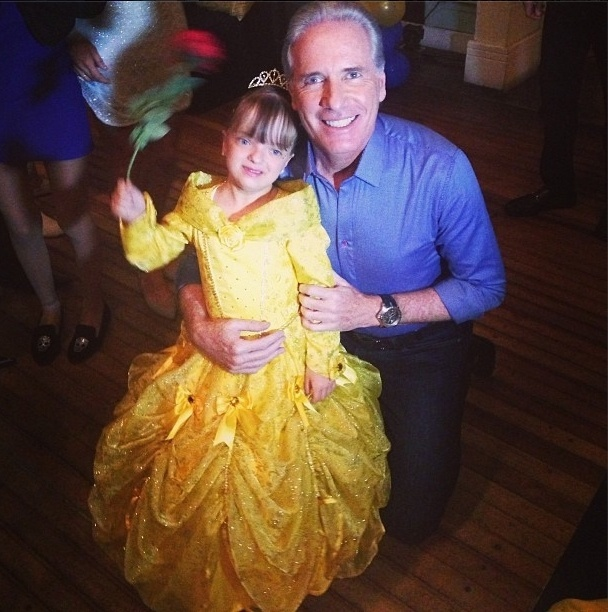 """04.ago.2013 - Roberto Justus postou foto com a filha na rede social Instagram. """"A Bela e a Fera"""", brincou o pai coruja"""