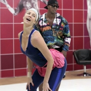 Luana piovani lesiona joelho em treino para o dan a dos for Ultimas noticias artistas famosos