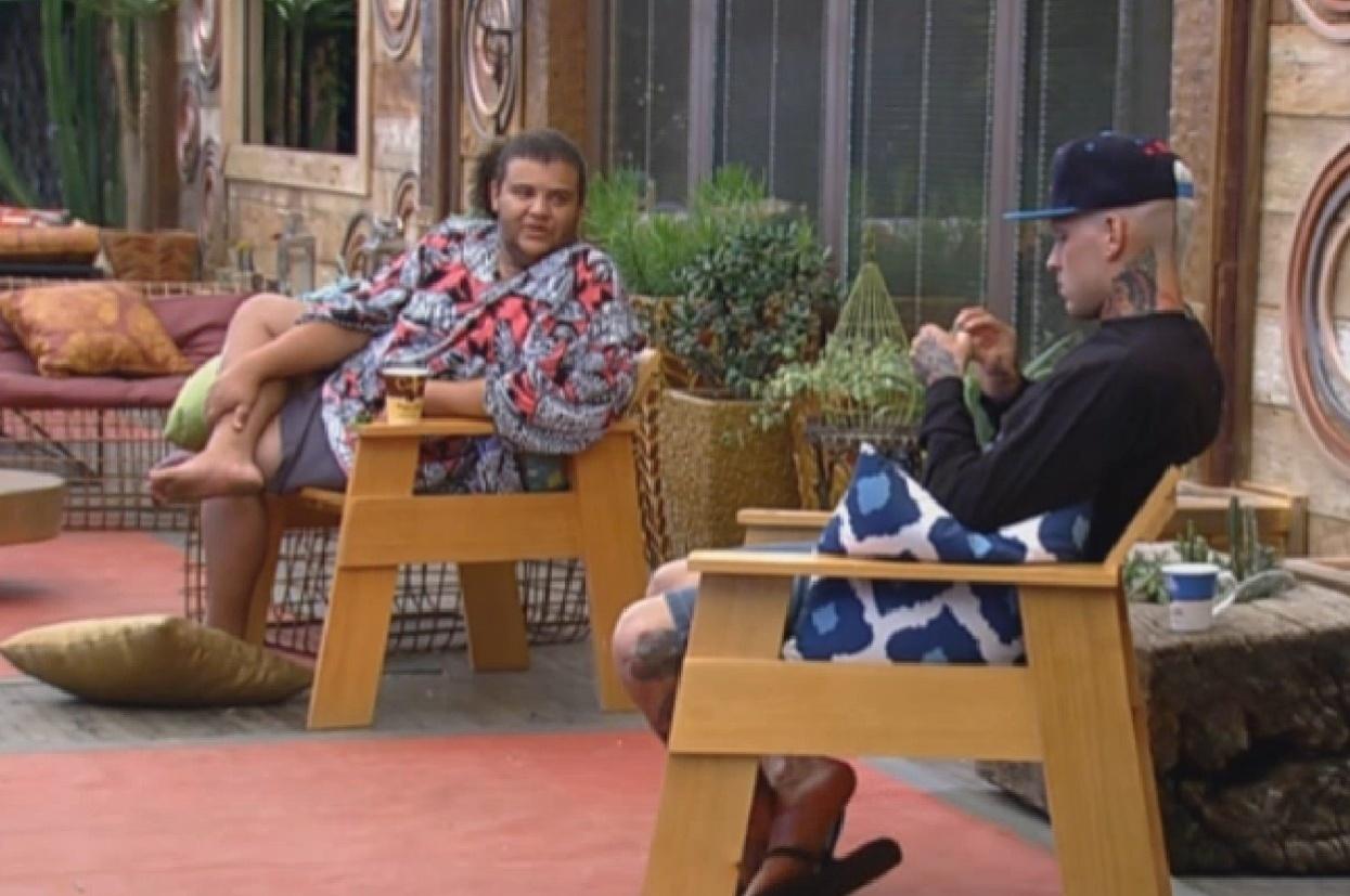 8.ago.2013 - Gominho diz para Mateus que Andressa não gosta de vê-lo com a Bárbara