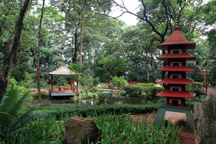 cerca para jardim ribeirao preto : cerca para jardim ribeirao preto: Jardim Japonês. Dos quiosques é possível observar o lago de carpas