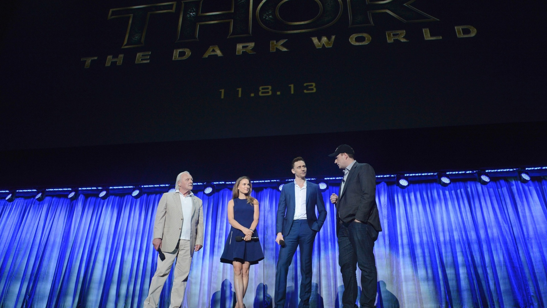 10.ago.2013 - Anthony Hopkins, Natalie Portman e Tom Hiddleston falam sobre