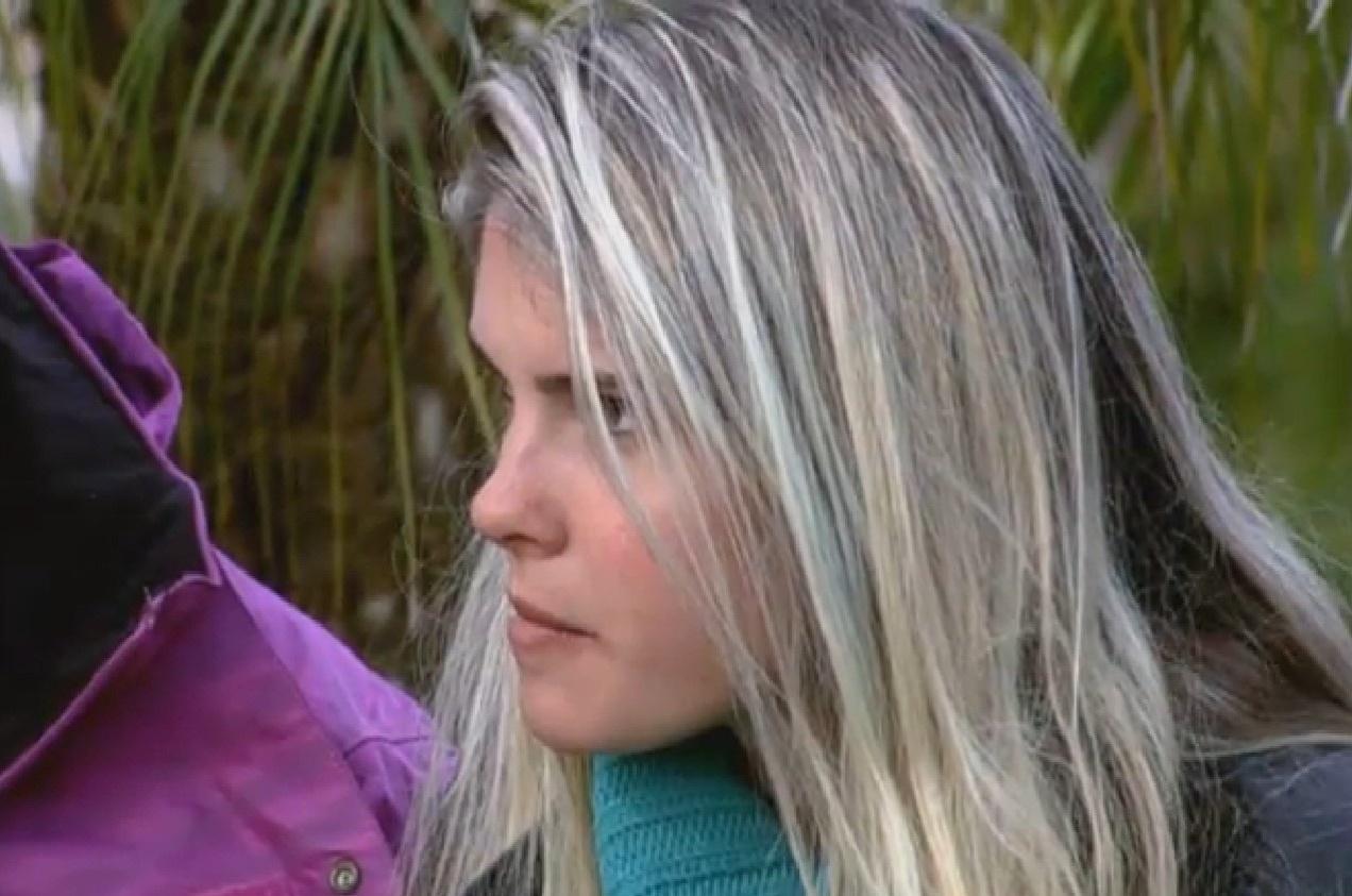 11.ago.2013 - Bárbara observa respostas de peões durante atividade