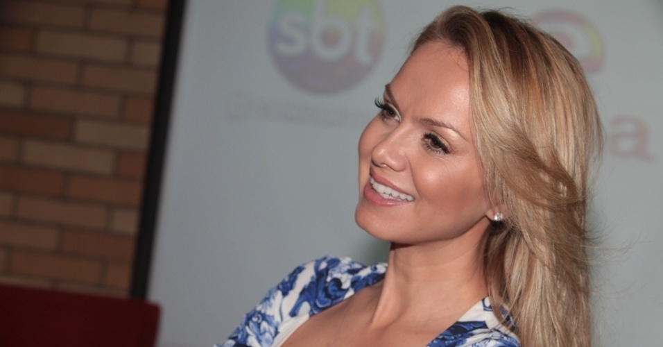 12.ago.2013 - A apresentadora Eliana anuncia parceria inédita do
