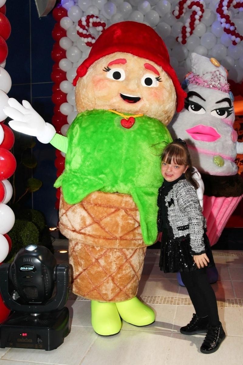 13.ago.2013-  Rafaella Justus se diverte no evento em São Paulo