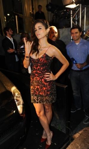 """13.ago.2013 - Nanda Costa faz pose para fotógrafos na festa de lançamento da edição de agosto da """"Playboy"""", da qual é capa. A festa, que aconteceu em um bar de São Paulo, ainda comemorou o aniversário de 38 anos da publicação. O ensaio da atriz de """"Salve Jorge"""" foi fotografado em Cuba"""