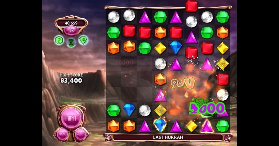"""Em """"Bejeweled Blitz"""" você deve fazer o máximo de pontos possíveis em apenas 60 segundos. Disponível no Facebook."""
