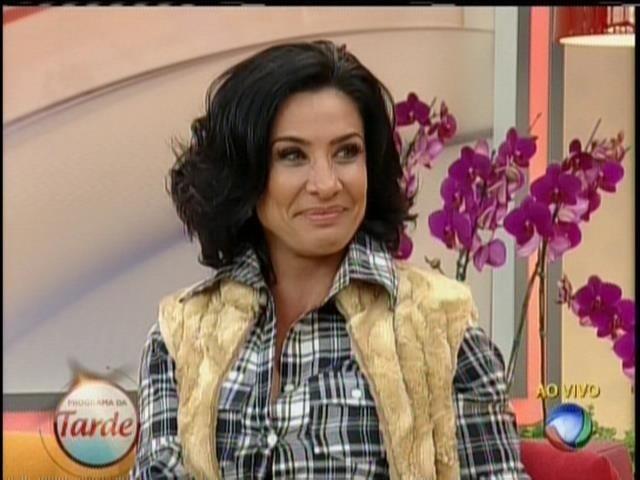14.ago.2013 - Scheila Carvalho vai processar Kamyla Simioni por danos morais e materiais