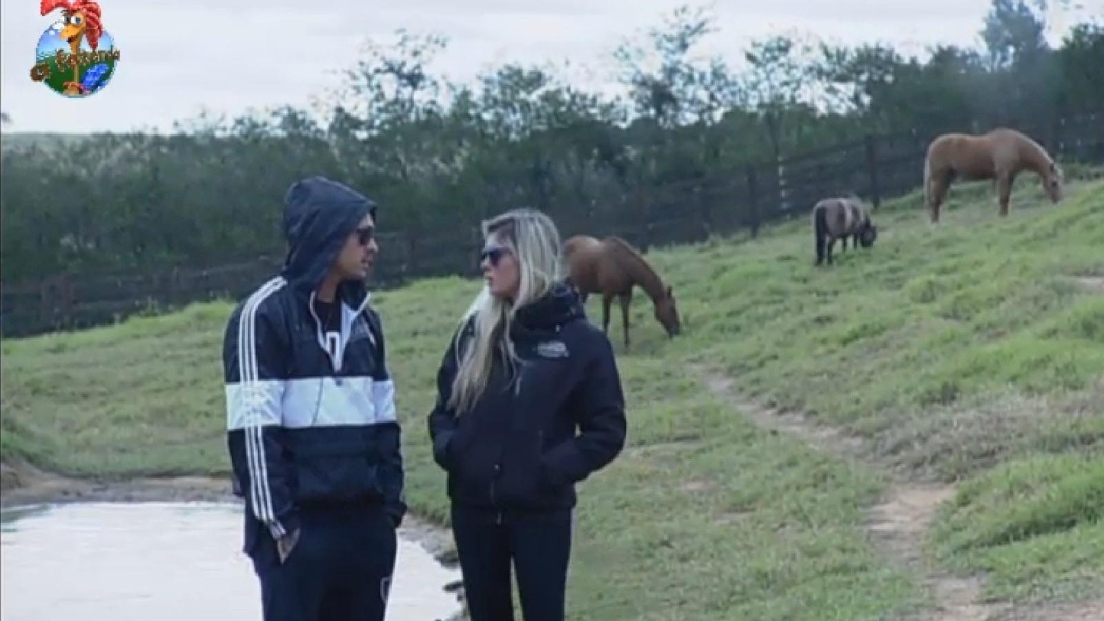 Mateus Verdelho e Bárbara Evans conversam sobre discussão com Denise e Andressa