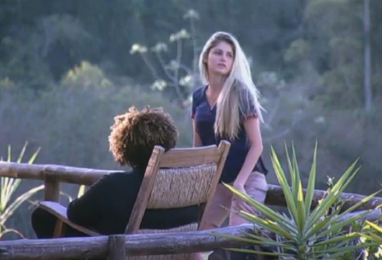 16.ago.2013 - Bárbara Evans diz para Gominho que vai votar em Andressa porque ela atrapalhou seu sexo com Mateus