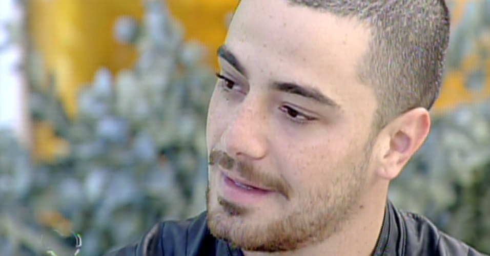 """16.ago.2013 - Felipe Titto, o mordomo Wagner de """"Amor à Vida"""", é entrevistado por Ana Maria Braga  no """"Mais Você"""""""