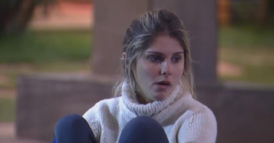 19.ago.2013 - Bárbara Evans não gostou de Andressa ter ganhado a prova do Fazendeiro