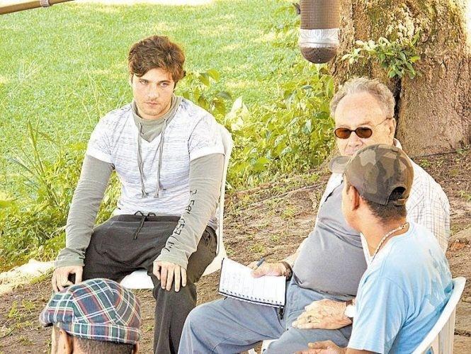 Bruno Gagliasso e Stênio Garcia gravam depoimento para o programa da CNN
