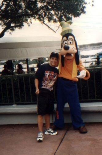 Bruno Gagliasso em uma viagem à Disney World, na Flórida, nos Estados Unidos (1991)