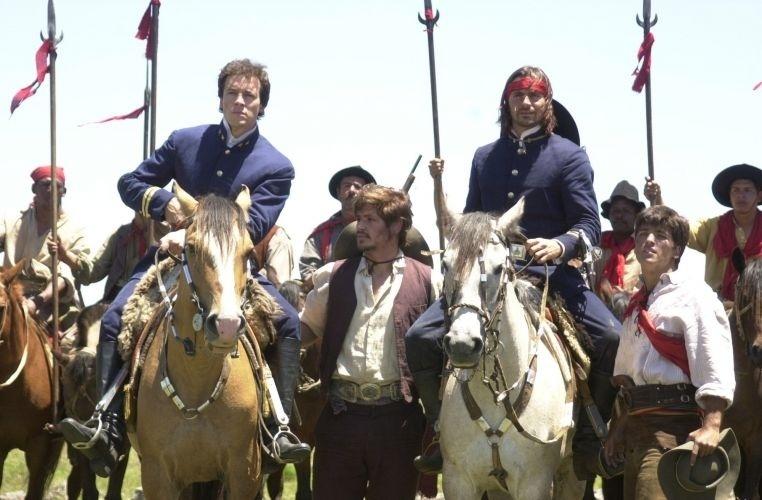 Da esquerda para direita: Joaquim (Rodrigo Faro), Bentinho (Dado Dolabella), Corte Real (Murilo Rosa) e Caetano (Bruno Gagliasso) em cena de