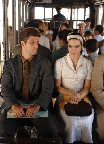 Eduardo (Bruno Gagliasso) e Margarida (Cléo Pires) se conhecem em cena de