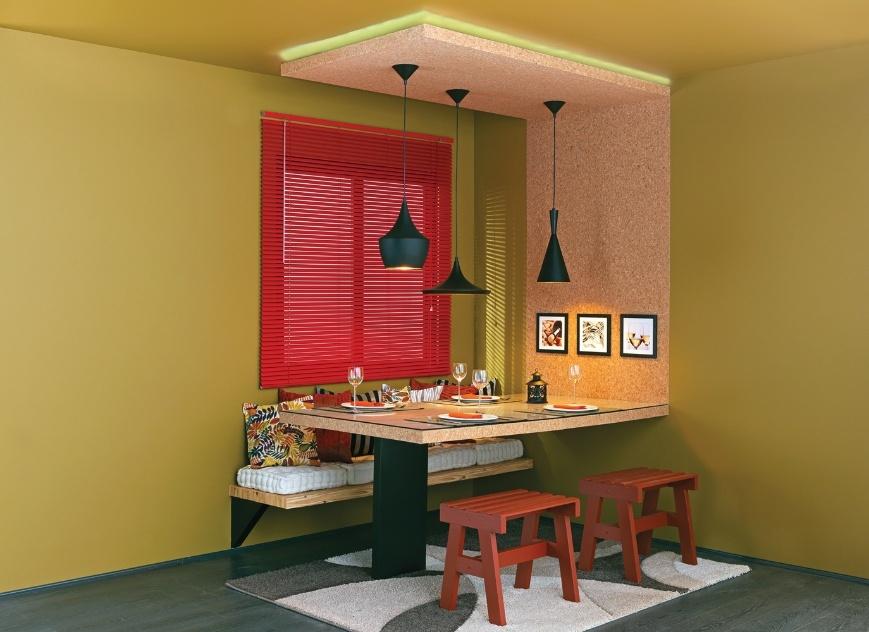 Banco Branco Sala De Jantar ~ , com assentos de futons, faz toda a diferença nesta sala de jantar
