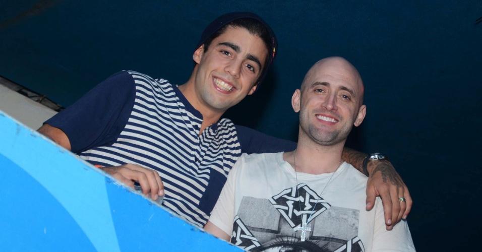 22.ago.2013- Paulo Gustavo e Pedro Scooby