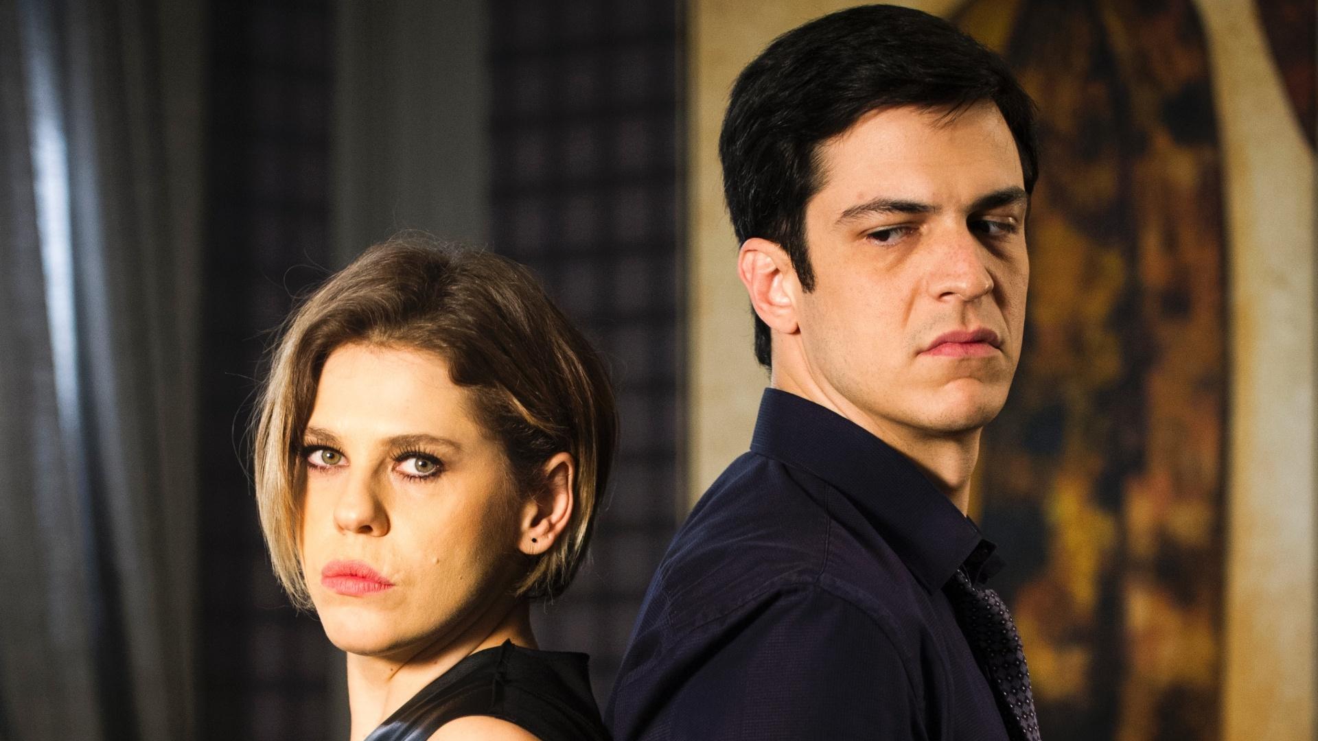 Bárbara Paz como Edith e Mateus Solano como Félix em