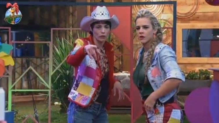 Lu Schievano e Denise Rocha usaram retalhos de pano em seus look