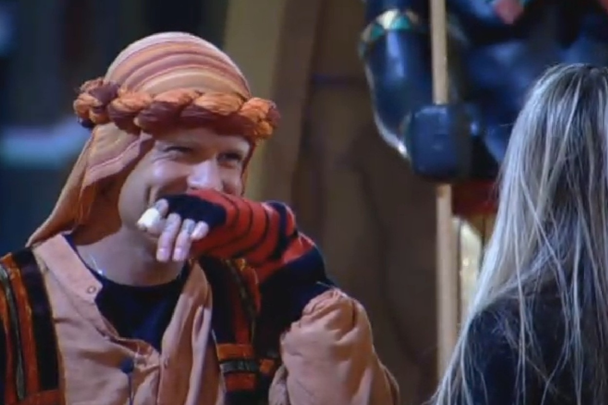 Mateus Verdelho se vestiu de sheik árabe