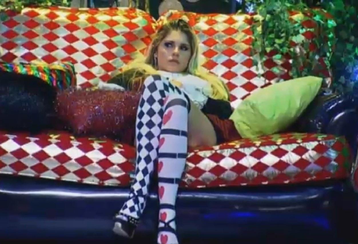 Na festa País das Maravilhas, Bárbara Evans se inspirou em Alice
