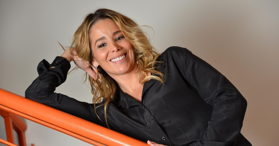 22.ago.2013 - Danielle Winits posou para o UOL no brechó La Luna Mia, do qual é sócia, no Rio. Durante a entrevista, a atriz negou mal estar em