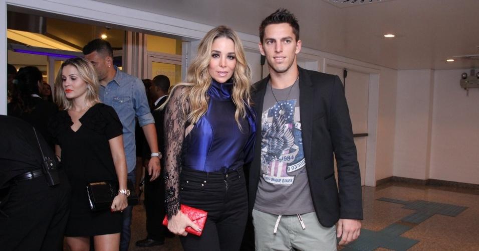 23.ago.2013 - Danielle Winits e Amaury Nunes no show de Thiaguinho no Citibank Hall, na Barra da Tijuca, Rio de Janeiro