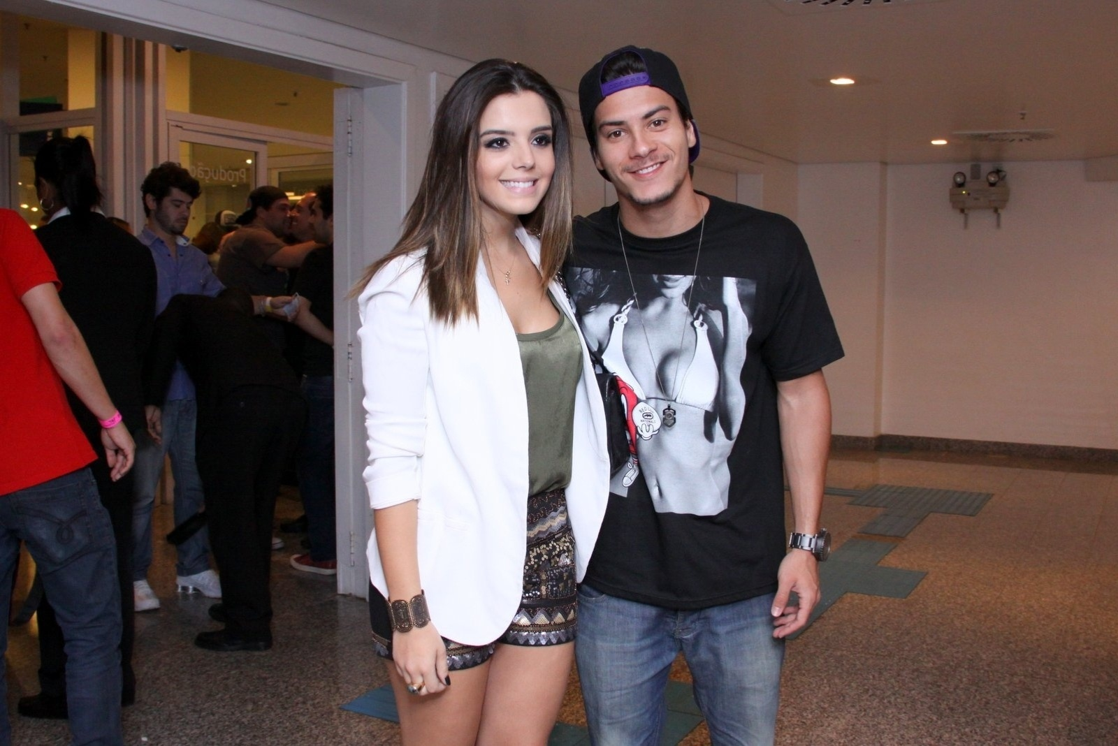 23.ago.2013 - Giovanna Lancellotti e Arthur Aguiar no show de Thiaguinho no Citibank Hall, na Barra da Tijuca, Rio de Janeiro