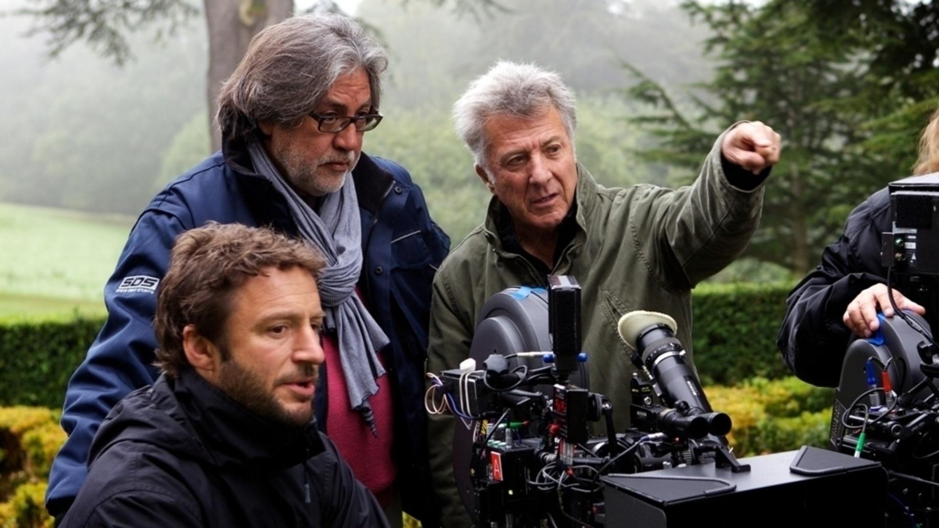 Dustin Hoffman passa instruções durante as filmagens de