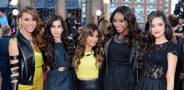 Dinah Jane Hansen, Lauren Jauregui, Ally Brooke, Normani Kordei e Camila Cabello, do Fifth Harmony