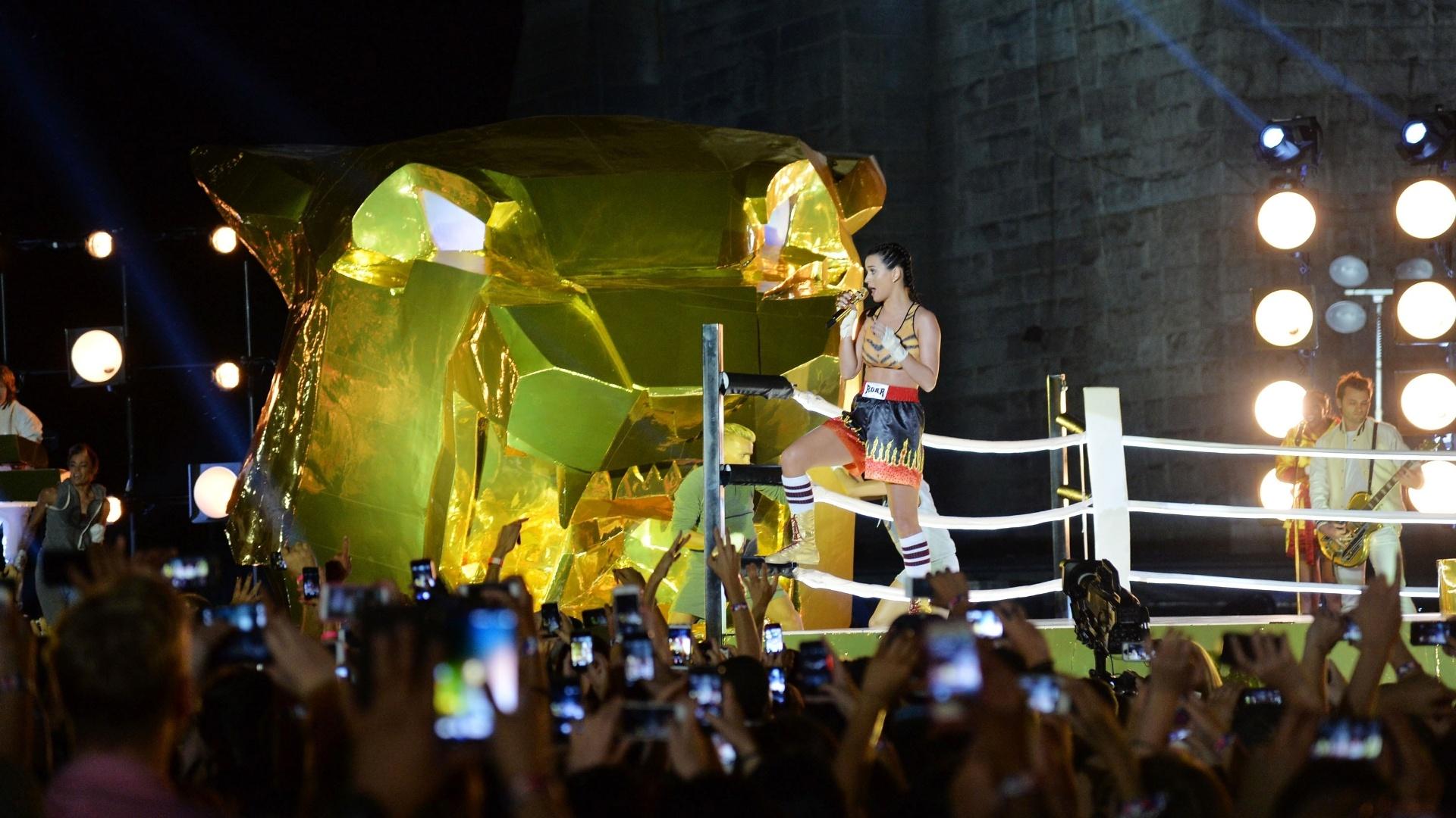 25.ago.2013 - Katy Perry fez última apresentação do Video Music Awards 2013, cantando seu novo single,