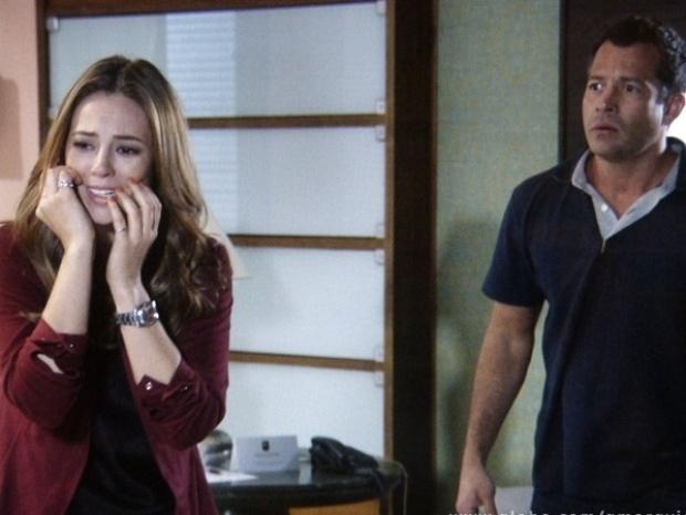 26.ago.2013- Paloma e Bruno decidem embarcar para o Peru separados, sem avisar a ninguém, para resgatar Paulinha