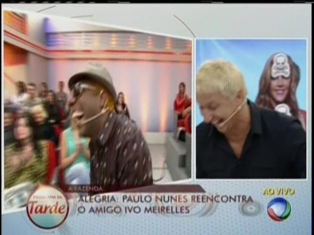 28.ago.2013 - Paulo Nunes se emociona ao reencontrar Ivo Meirelles