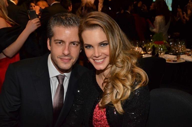 29.ago.2013- Victor e Claudia Helena Swarowsky ficaram casados durante seis meses
