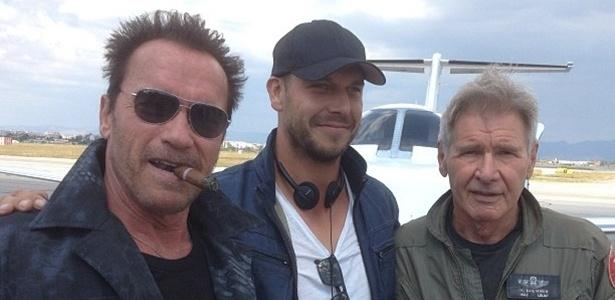 30.ago.2013 - O ator Arnold Schwarzenegger divulgou nesta sexta-feira (30) uma imagem nos bastidores das filmagens do filme