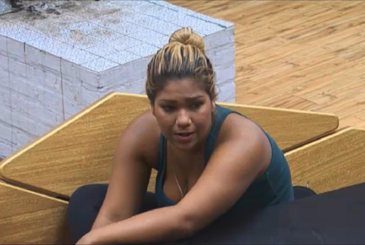 31.ago.2013 - Mulher Filé conversa com Yudi