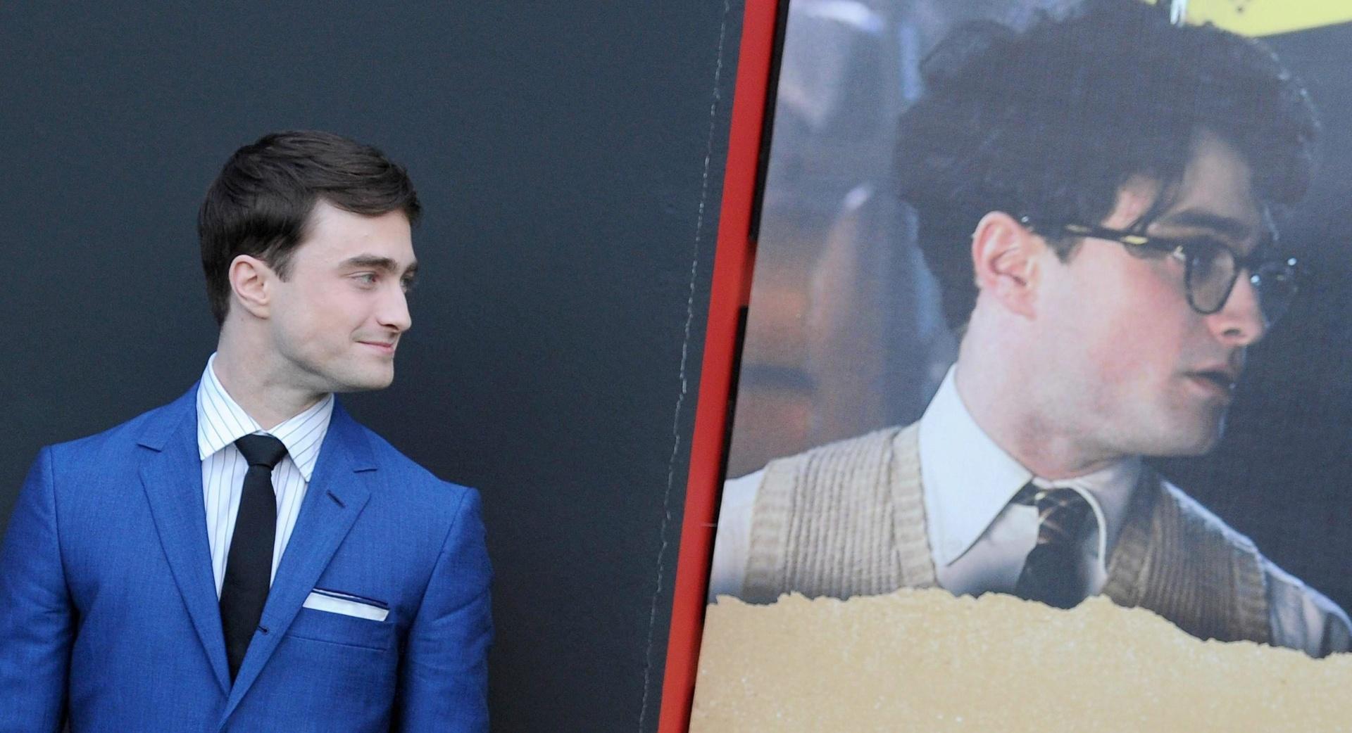 1.set.2013 - Daniel Radcliffe posa no tapete vermelho para divulgar o filme