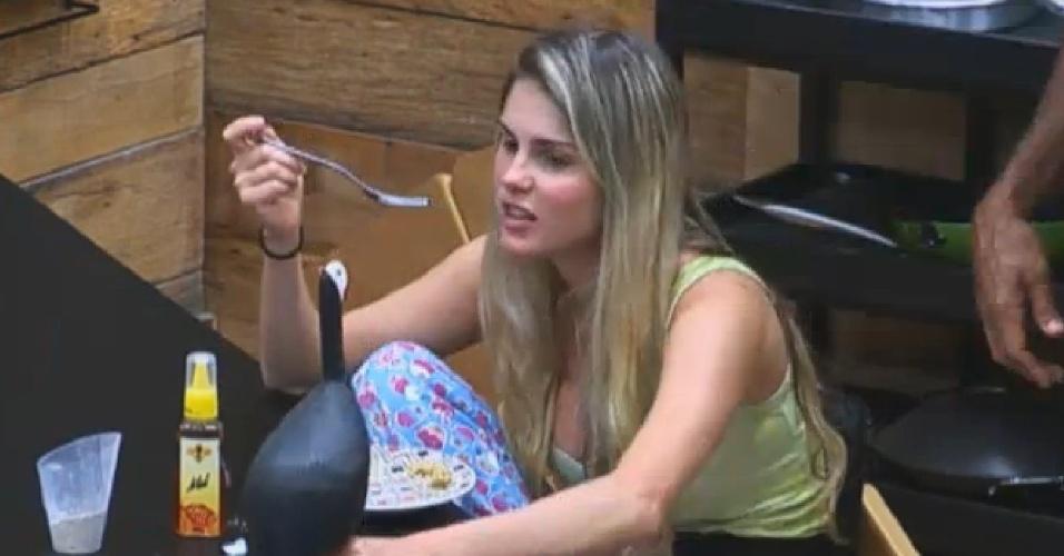 03.set.2013 - Bárbara se irrita com brincadeiras de Beto e Yudi