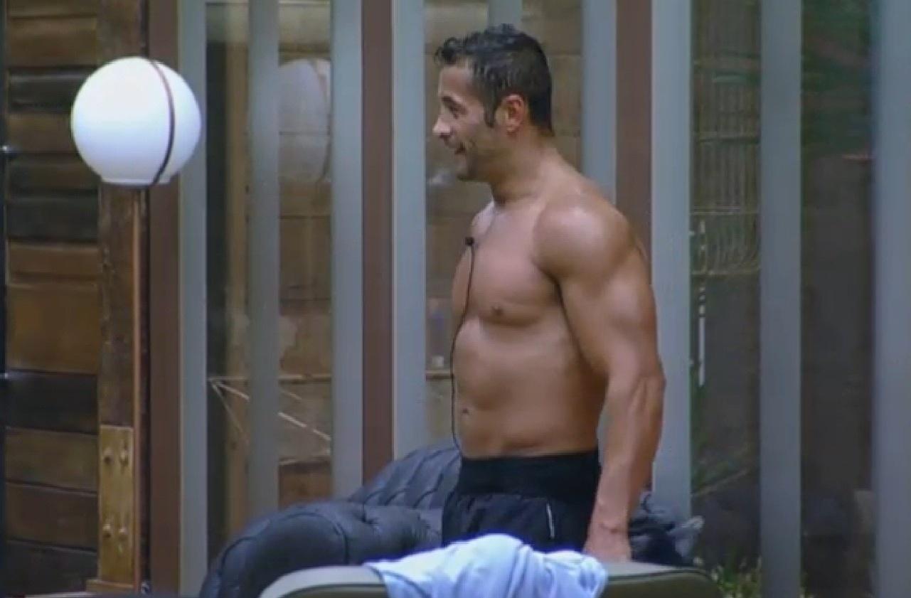 03.set.2013 - Peões se surpreendem com disposição de Oliver para malhar