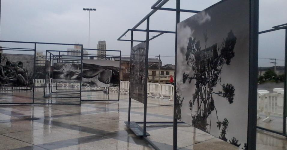 """Parte da exposição """"Genesis"""" de Sebastião Salgado pode ser vista na área externa do Sesc Belenzinho, até 1º de dezembro de 2013."""