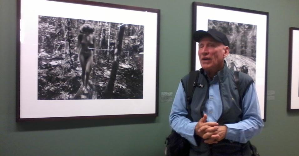 """Sebastião Salgado explica algumas das imagens que compõem a mostra """"Genesis"""", em cartaz até 1º de dezembro no Sesc Belenzinho."""