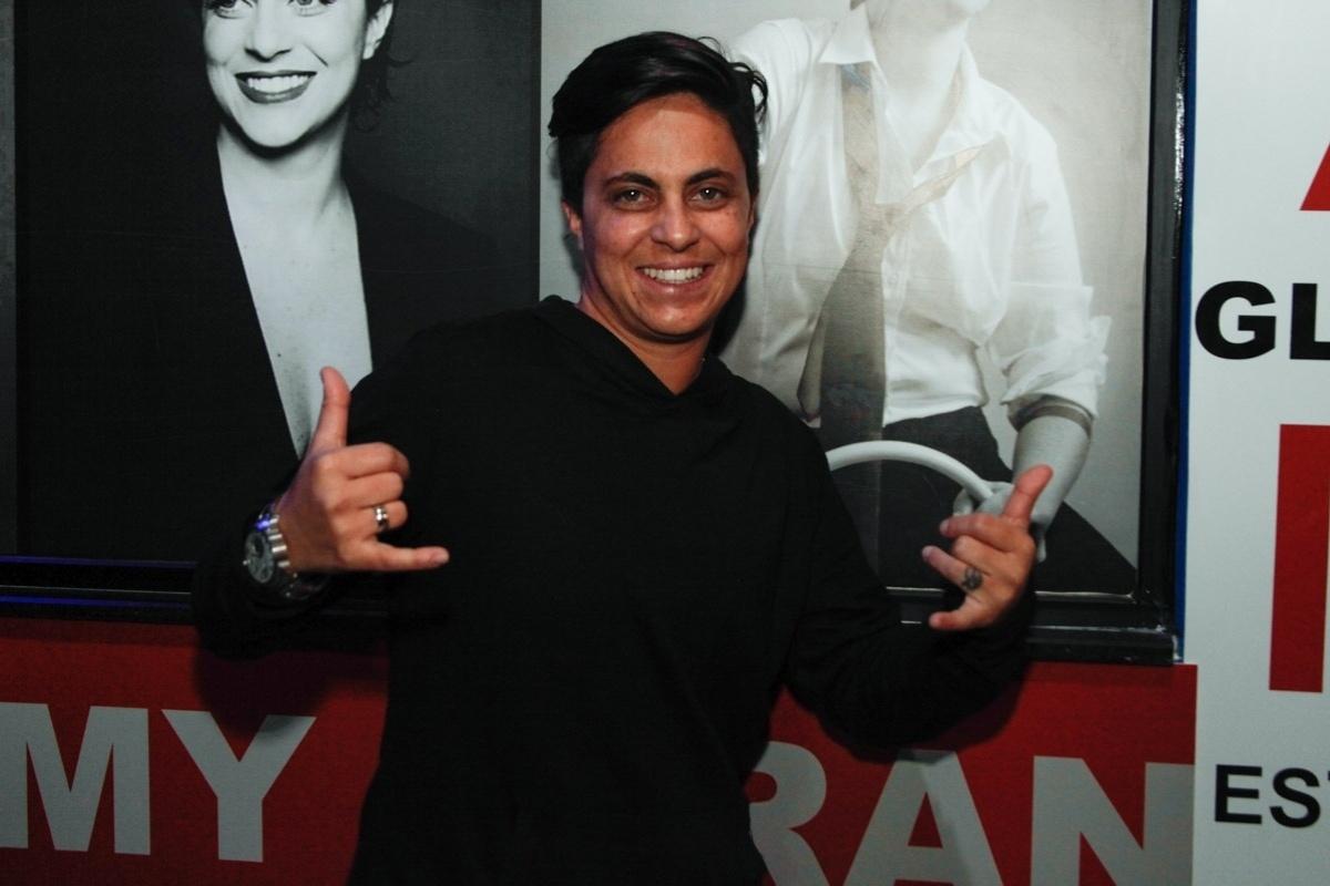 3.set.2013 - Thammy Miranda comemora aniversário de 30 anos em no karaoke Coconut, em São Paulo, onde uma das salas leva seu nome