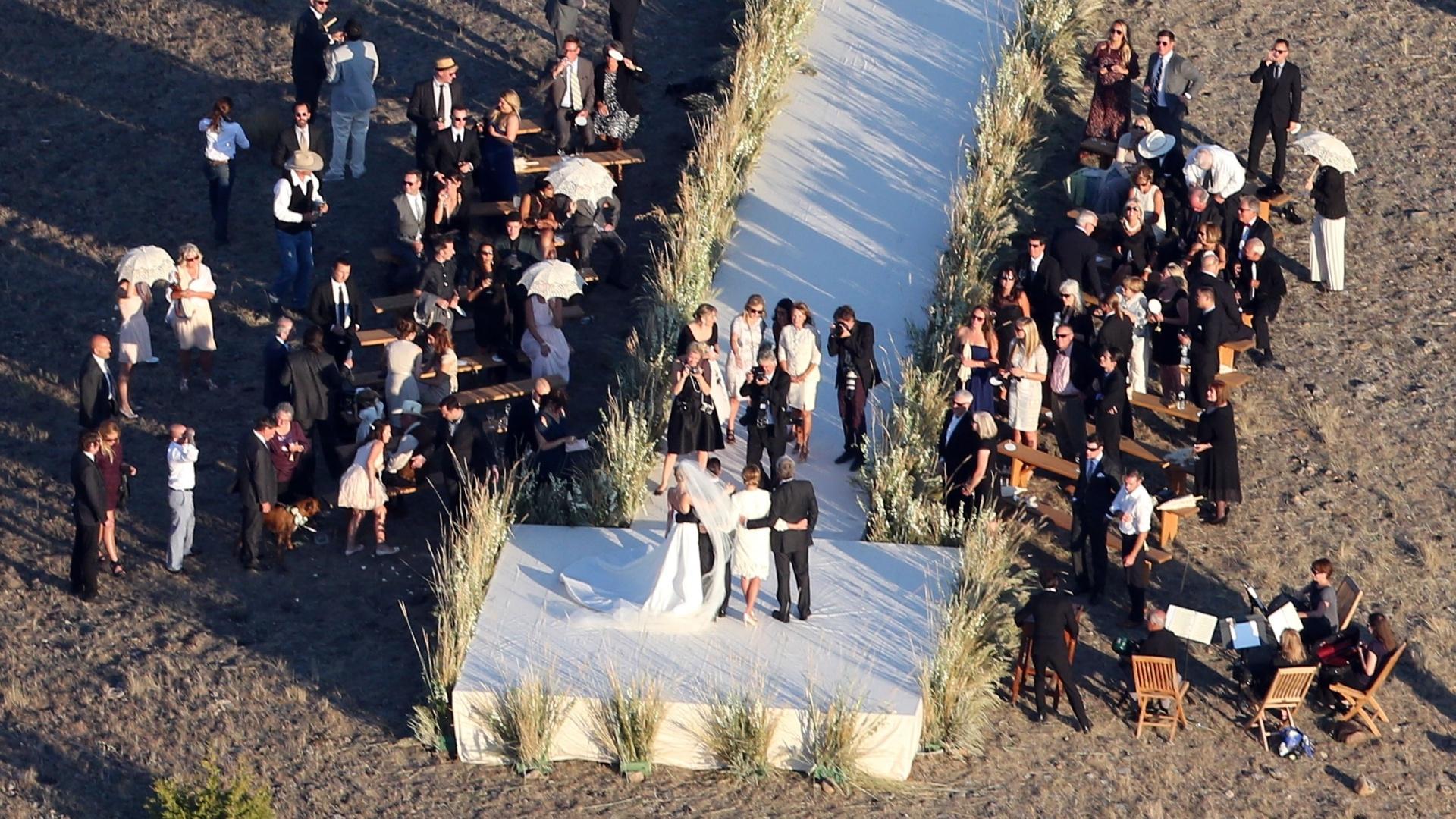 31.ago.2013 - A atriz Kate Bosworth se casa com o cineasta Michael Polish em um rancho no estado norte-americano de Montana. A cerimônia foi íntima e apenas familiares e amigos próximos do casal foram convidados