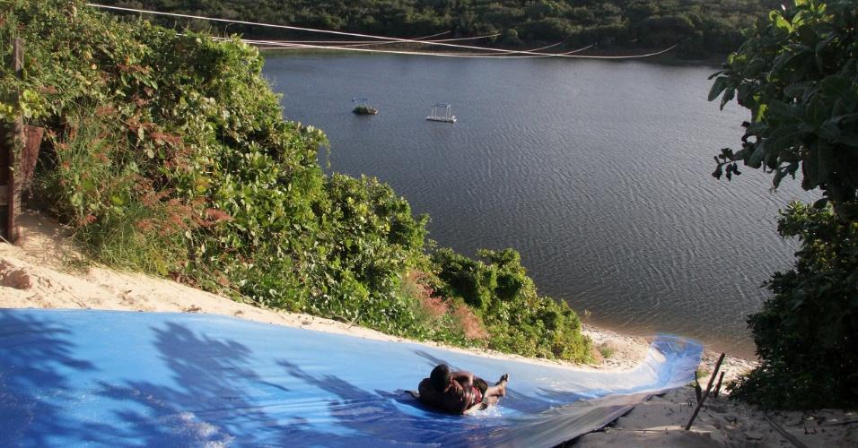 Descida de ski-bunda na lagoa de Jacumã é garantia de aventura com friozinho na barriga