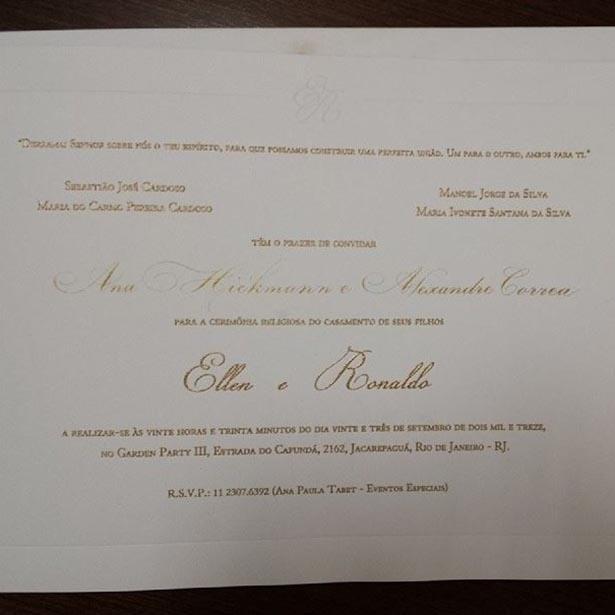 """6.set.2013 - Alexandre Correa, marido de Ana Hickmann, publica foto do convite de casamento de Naldo e Ellen Cadoso, a Mulher Moranguinho. """"Obrigado pelo convite...será o casamento do ano"""", escreveu Alexandre."""
