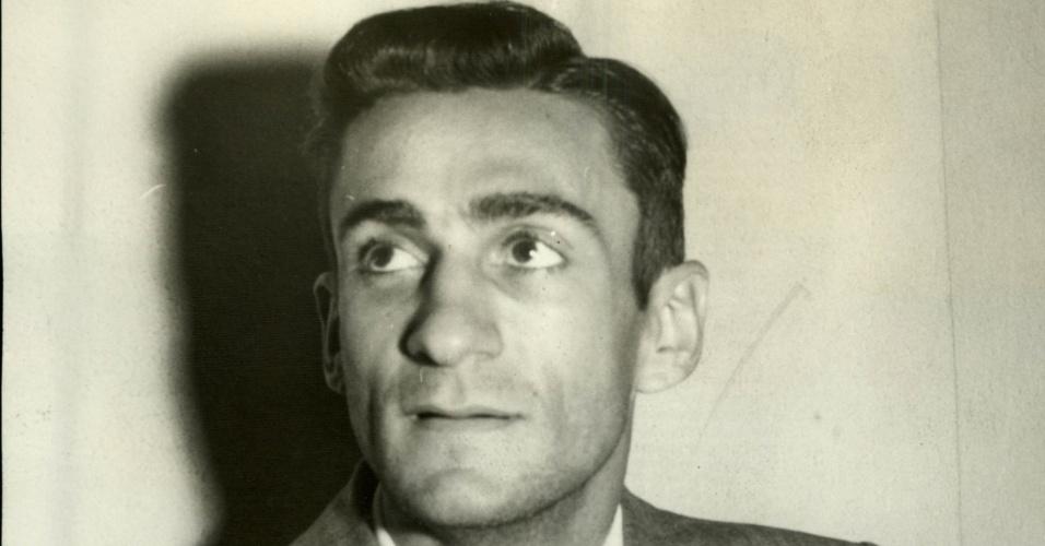 o escritor, poeta e dramaturgo Ariano Suassuna