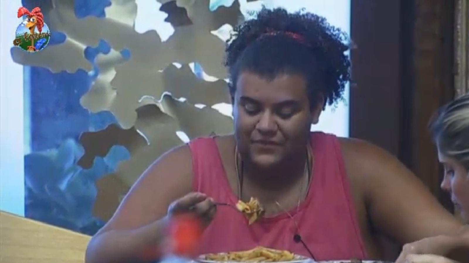 07.set.2013 - Gominho e Bárbara Evans comentam desaparecimento dos cabritos
