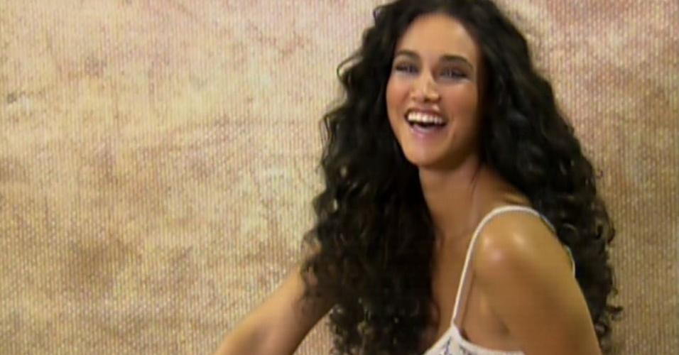 10.set.2013 - Débora Nascimento se transforma em Gabriela para o