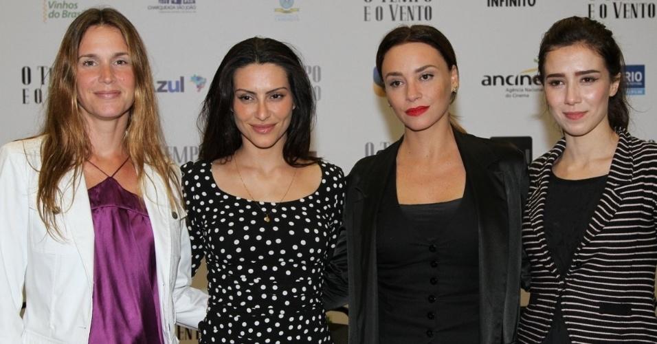 """11.set.2013 - Vanessa Lóes, Cléo Pires, Suzana Pires e Marjorie Estiano em entrevista coletiva do filme """"O Tempo e o Vento"""", em São Paulo"""