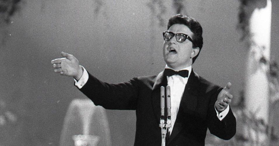 Jimmy Fontana durante festival de Sanremo, na Itália, em 1961
